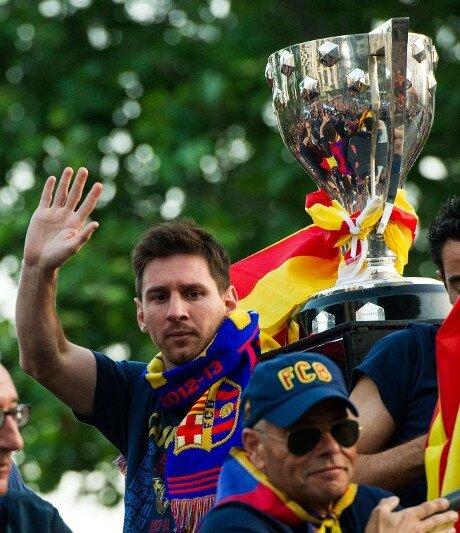 500.000 aficionados celebran con el Barça el título de Liga 2012-13 - imagen 7