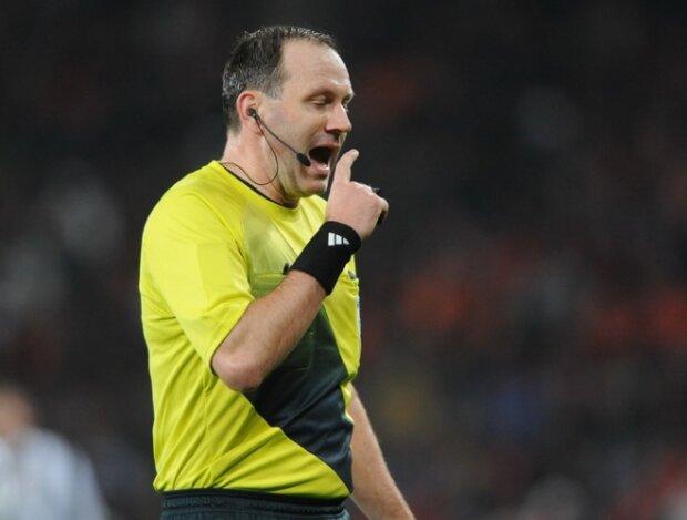 Arbitro durante un partido