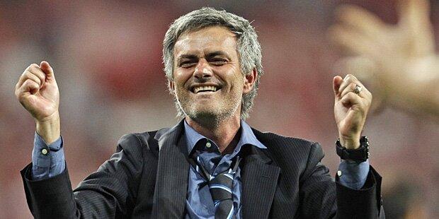 Mourinho celebrando gol