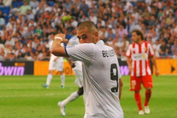 Karim Benzema jugando con el Real Madrid
